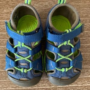 Keen | infant size 6 water shoes